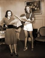 1947-marilyn_with_Helena_Sorell-by_dave_cicero-040-1