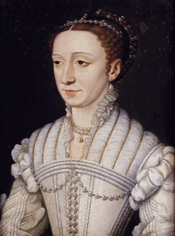 800px-Margaret_of_France,_Duchess_of_Berry_by_Studio_of_François_Clouet