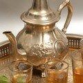 Gel corps à la menthe du maroc
