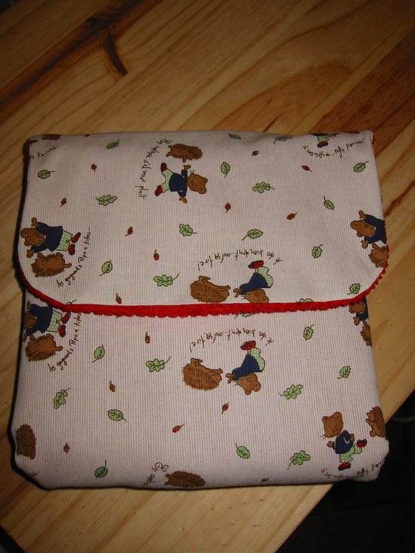 tapis à langer rouge - souris