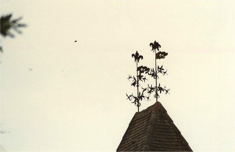 girouettes de Borie-Petit à fleurs de lys