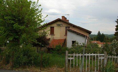 vieille_maison_et_barrieres_minieres
