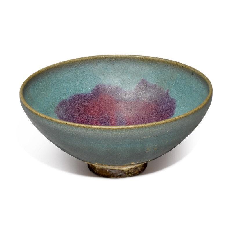 A large purple-splashed 'Jun' bowl, Yuan-Ming dynasty (1279-1644)