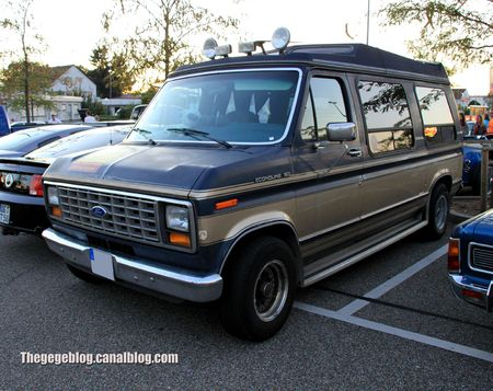 Ford econoline 150 (Rencard Burger King septembre 2012) 01