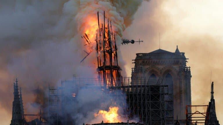 Don de Ken Follett pour restaurer une cathédrale bretonne