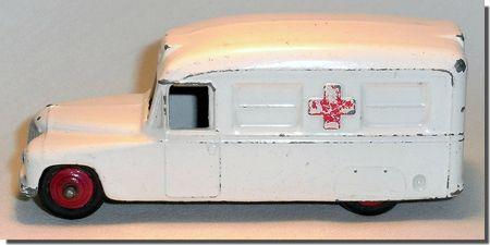 Dinky Toys Ambulance Daimler 253 C