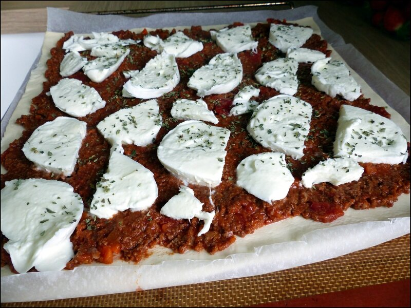 pizza bolognaise mozza