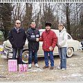 Les voitures anciennes du téléthon dans le village