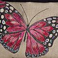 31 Papillon dans le ciel bleu d'automne 4