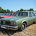 OLDSMOBILE Custom Cruiser 4 door station wagon Ohnenheim (1)