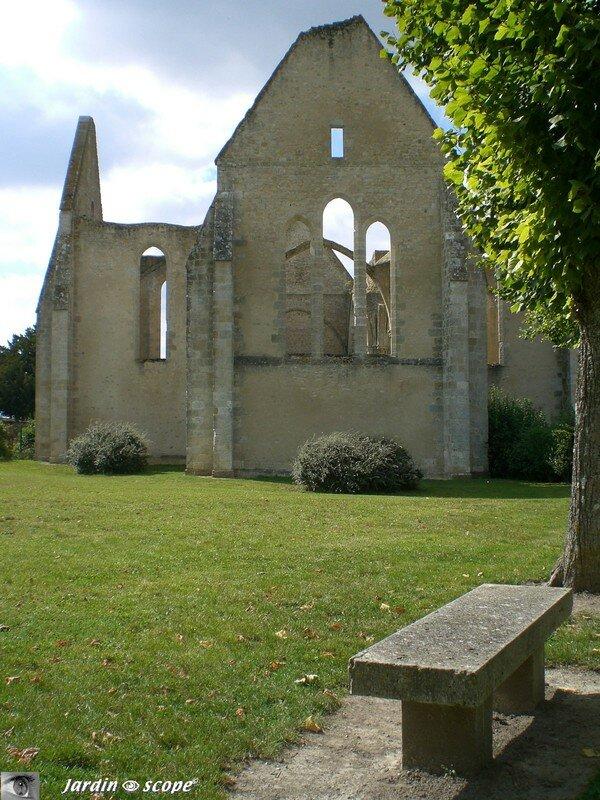 Yèvre-le-Châtel (45) - Eglise Saint-Lubin inachevée