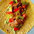 Tacos de poulet sauce avocat by restaurant lime, miami.