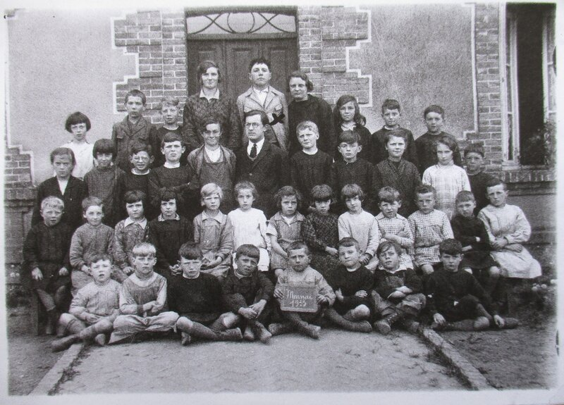 1933 photo de classe à Monnai 61