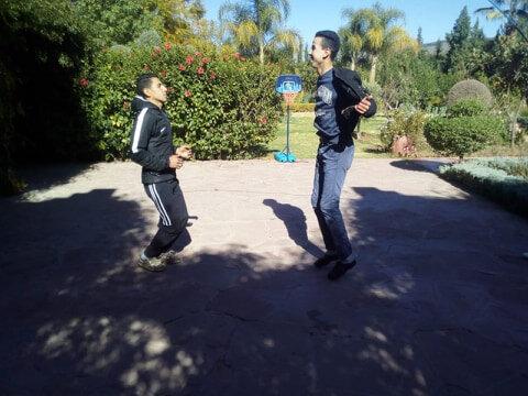 Corde à sauter Nourddine et Farid s'y essaient
