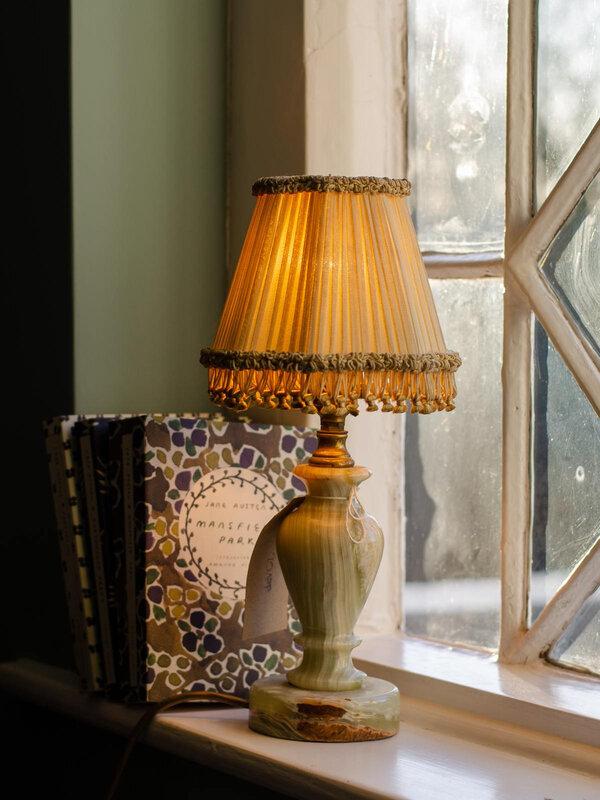 Antique Lamp 90 livres