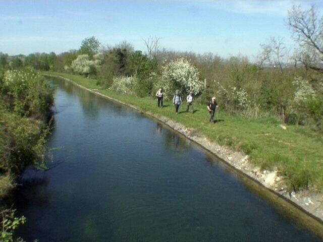 Canal de la Bourne
