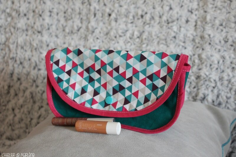trousse a maquillage fille triangle rose et bleu