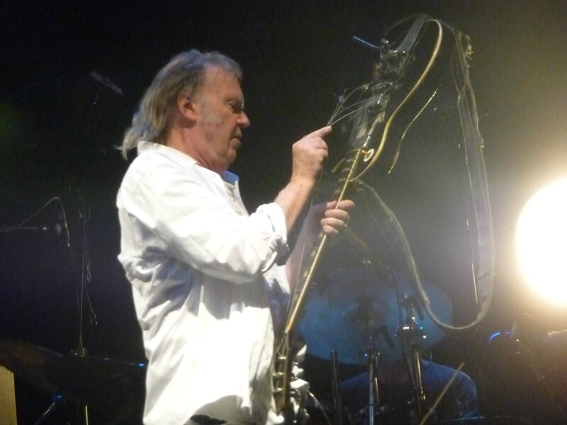2009 06 Neil Young 091