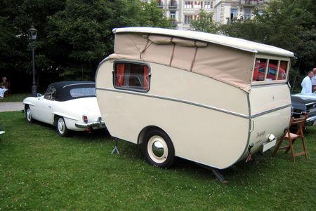 Mercedes_190_SL_de_1961__quip__d_une_caravane_Delhleffs_tourist_02