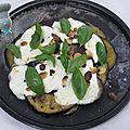 Salade d'aubergines rôties à la mozzarella et aux pignons
