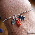 Bracelet Veillez sur ma famille (corail) - 44 €
