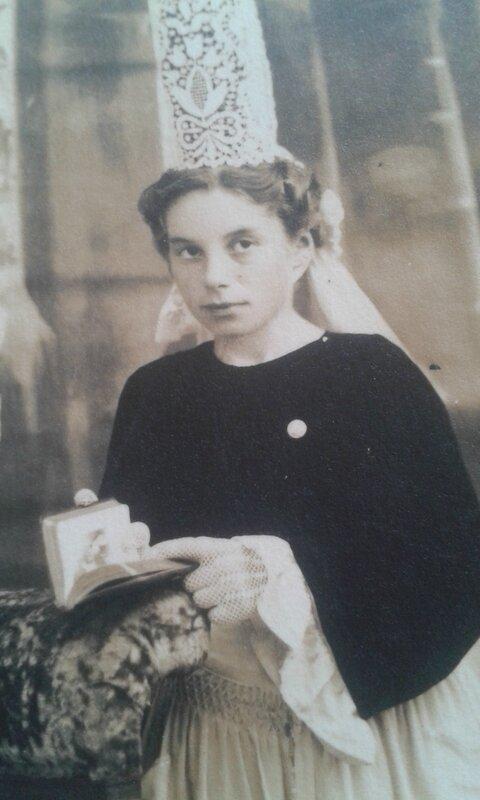 Communion Geneviève Lerhun[2]