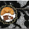 Broche ''Croissant chantilly''