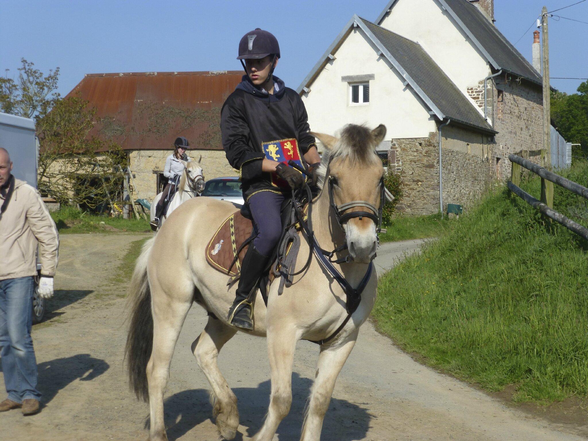 balade à cheval médiévale - Abbaye de Hambye (7)