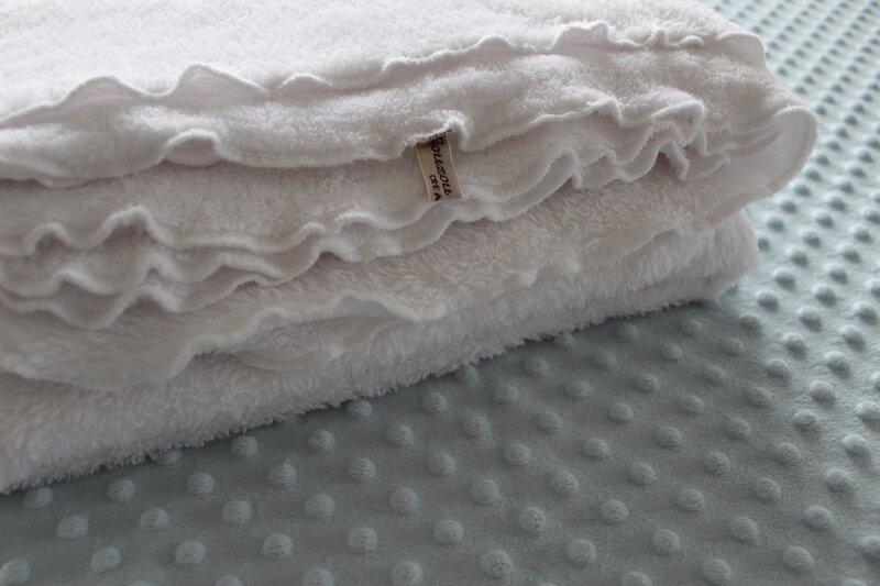 Couverture doudou blanche
