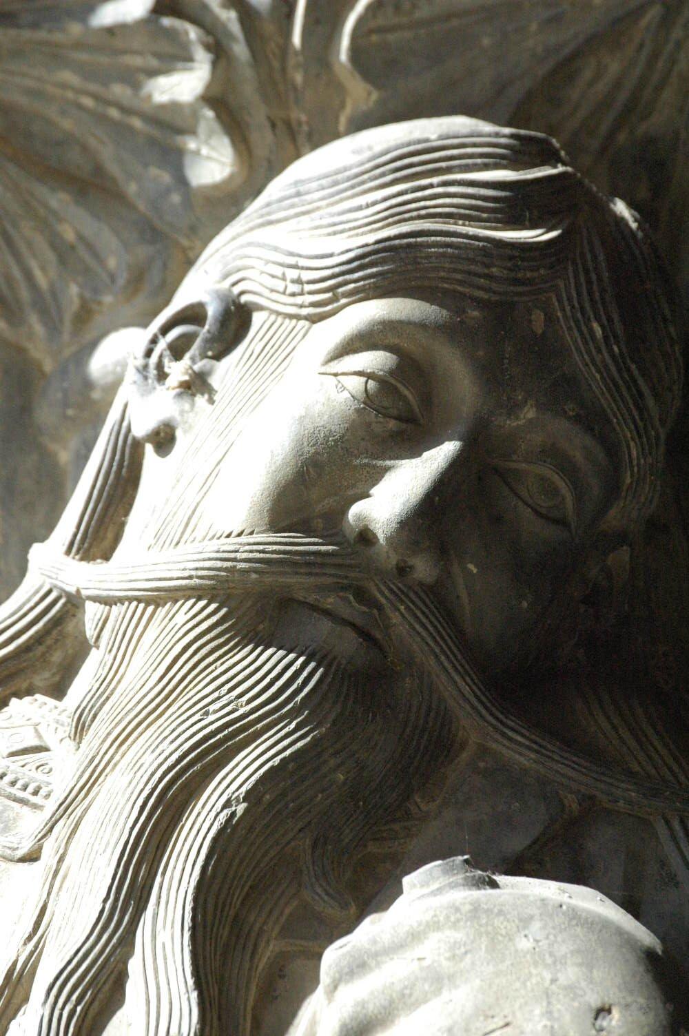 Jérémie, magnifique visage de pierre