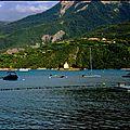Serre ponçon, ses montagnes et ses bateaux