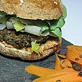 Burger végé méga bonnnn!!! (steack de lentilles, fondue de poireaux, sauce à la tomates séchées et au thym, morbier)