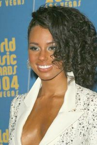AliciaKeys-hair2oneside