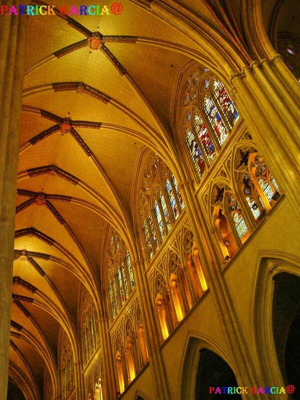 BAYONNE CATHEDRALE INT 990 copie