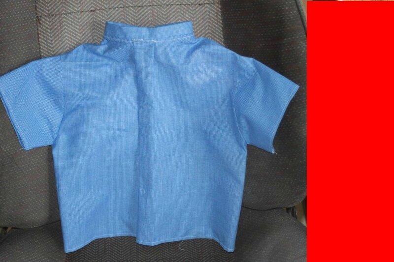 chemisette bleue dos