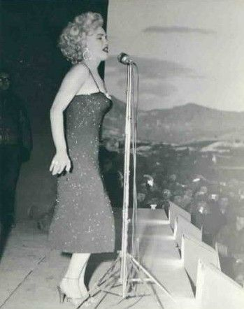 1954-02-korea-dress_purple-stage_out-sing-021-1-by_cicero