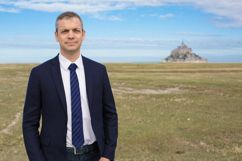 Thomas Collardeau candidat DVD élections législatives 2017 sur Manche Avranches Granville Mortain avocat Mont-Saint-Michel photo officielle