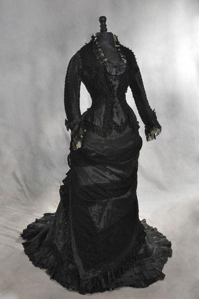 17-robe-noire-de-madame-roger