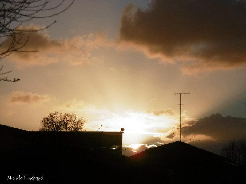 1-Lever de soleil derrière vitre 130319