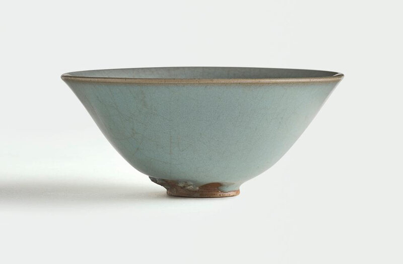 A fine and rare 'Jun' teabowl, Northern Song dynasty (960-1127)