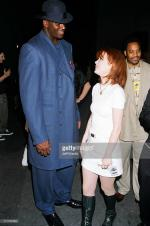 1996-06-08-MTV_Movie_Awards-backstage-with_with_shaquille_o_neal-1