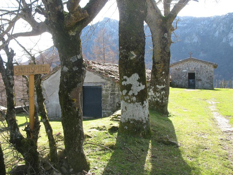 Zegama, tunnel San Adrian, ermitage Sancti Spiritus