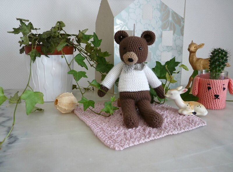 ours crochet01