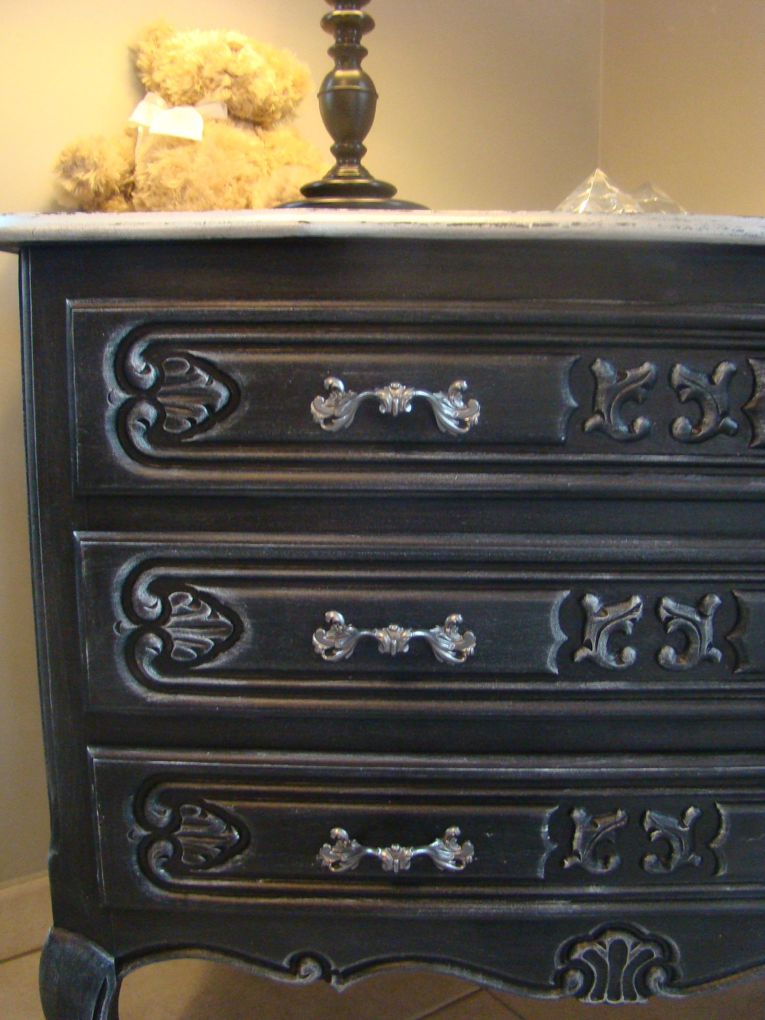 Commode style louis xv relooker relooking meubles int rieur - Meuble patine ...
