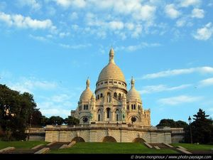 normal_paris_butte_montmartre_basilique_sacre_coeur