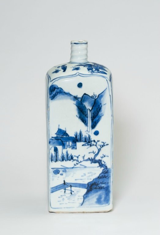 Square Bottle with Landscapes, Ming dynasty (1368-1644), late Wanli period (1578–1620)