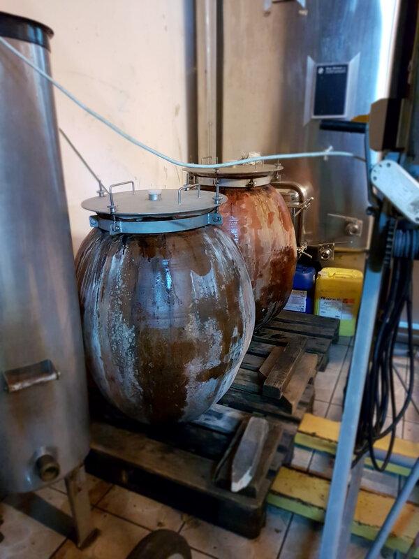 chez cathytutu inauguration nouveau caveau de degustation du vin le bouc et la treille poleymieux au mont dor (29)
