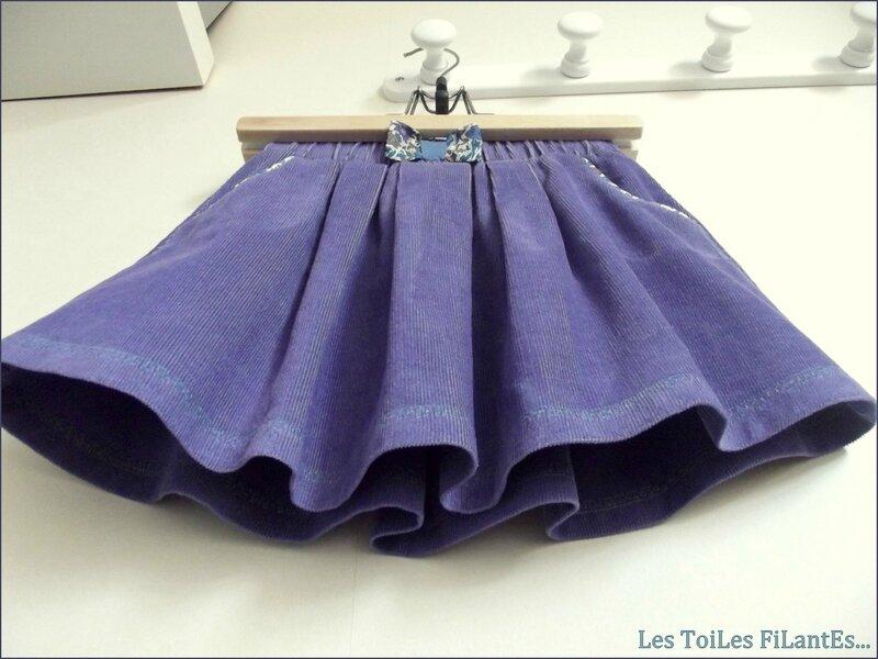 Jupe Cocooning velours milleraies violet et tee-shirt triangle8