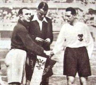 1934 France-Autriche_Coup_d'envoi R