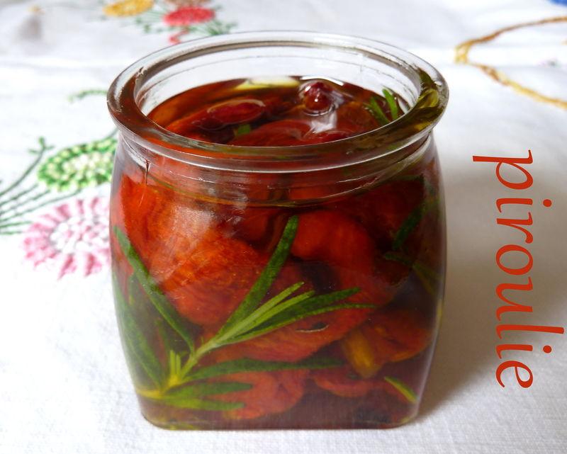 Tomates s ch es au four l 39 huile d 39 olive et au romarin - Basilic seche a ne pas consommer ...
